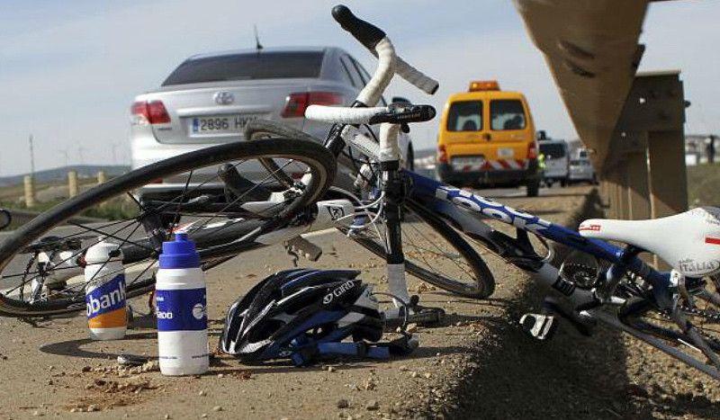 El conductor que atropelló a un ciclista en Pravia se entrega a la Guardia Civil