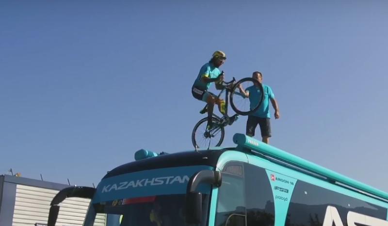 (VÍDEO) ¿Has visto ya lo último de Brumotti en el Tour de Francia?