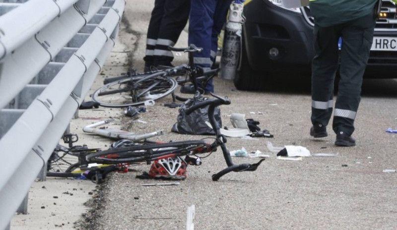 El conductor que atropelló a dos ciclistas en Zestoa se entregó a la Ertzaintza