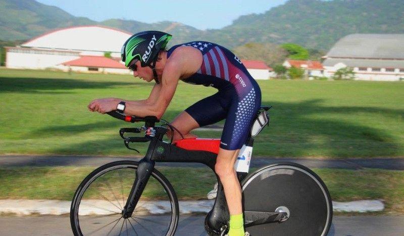 Muere el triatleta de 23 años Alistair Eeckman tras chocar con un autobús