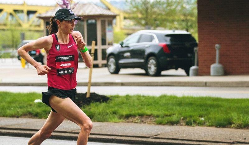 (VÍDEO) Las series de Gwen Jorgensen para preparar el maratón de Chicago