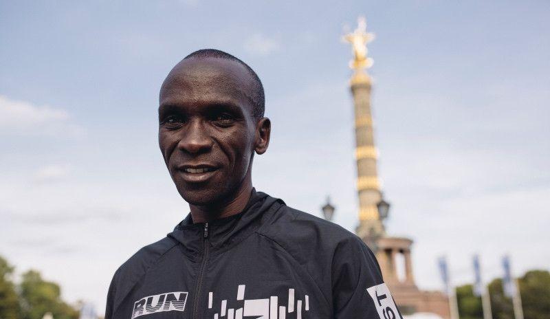 """Kipchoge: """"Sabía que podía batir el récord despues de los 30 km"""""""