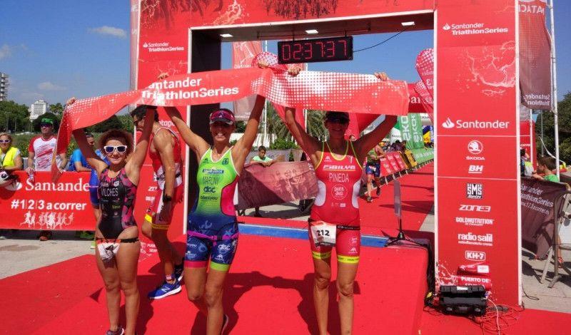 Merchán y Maruny se coronan en el Triatlón Puerto de Sevilla