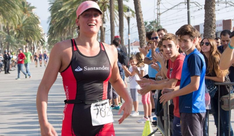 Mireia Belmonte vuelve a recurrir al acuatlón como herramienta de entreno