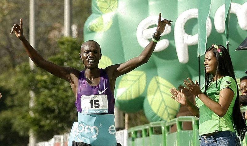 Atropellan al keniano Kiprono cuando participaba en el medio maratón de Medellín