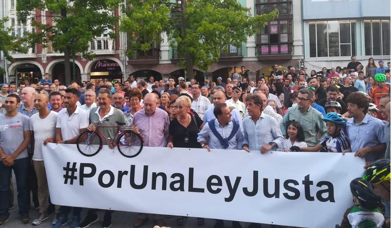 Torrelavega se vuelca 'Por Una Ley Justa' contra los atropellos de ciclistas