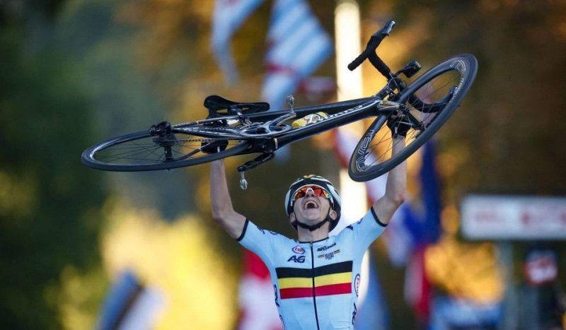 El 'prodigio' del Mundial de Ciclismo corrió una media en 1h16 con 16 años