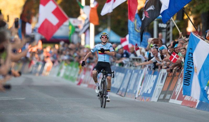 Otro doblete histórico del exfutbolista belga en los Mundiales júnior de Ciclismo