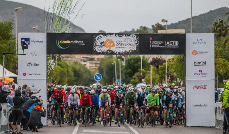 El balear Matas y la británica Livesey ganan el Bike Day del Long Course Weekend
