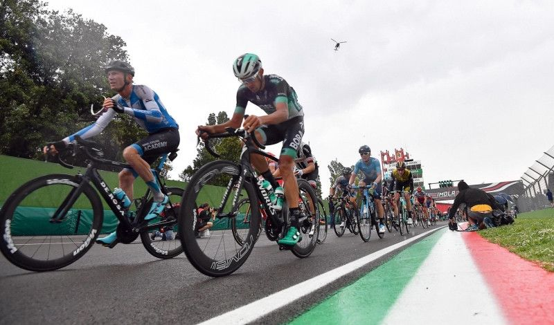 (VÍDEO) El Giro más italiano, con dedicatorias ilustres y subidas de leyenda
