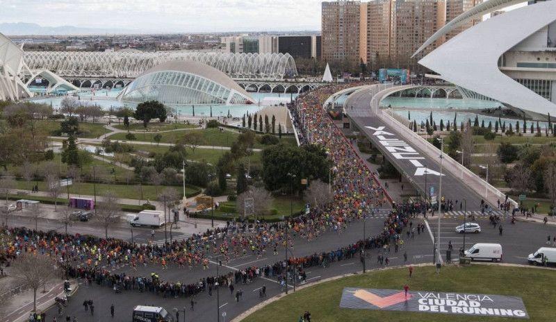 40 corredores descalificados del Medio Maratón de Valencia por ceder su dorsal