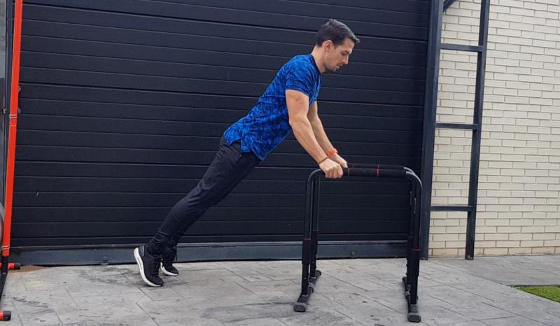 (VÍDEO) Rutina de ejercicios con paralelas para trabajar fuerza y coordinación