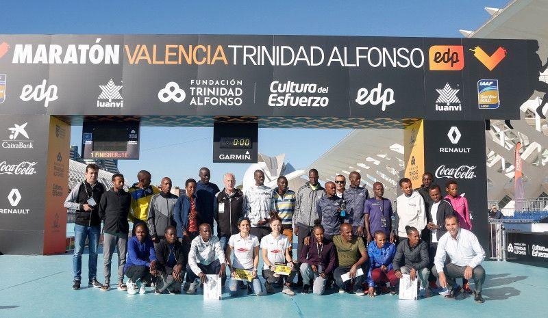El maratón de Valencia sueña con batir su récord tras lograr el de atletas