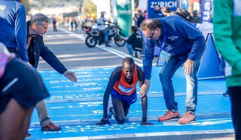 (VÍDEO) Dramático final en el Maratón de Málaga