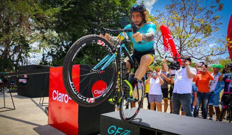 (VÍDEO) Así entrena Vittorio Brumotti, el funambulista del ciclismo