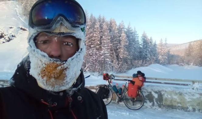 Rescatan a un ciclista español que intentaba cruzar la Siberia a -50º C