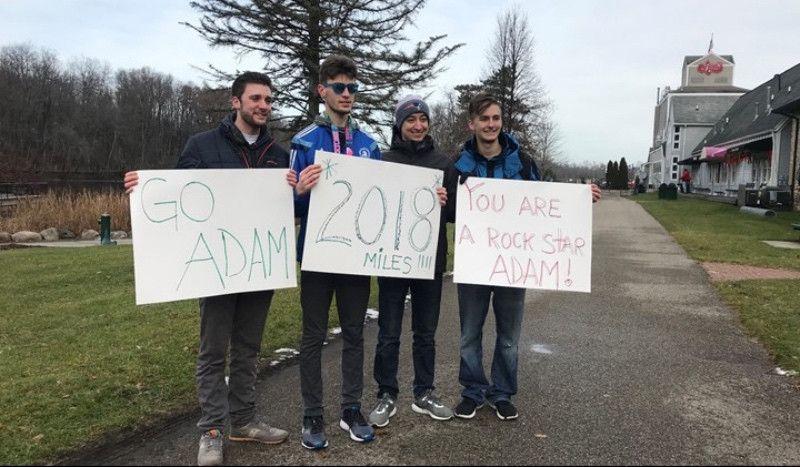 Un joven autista corre en 2018... ¡2.018 millas!