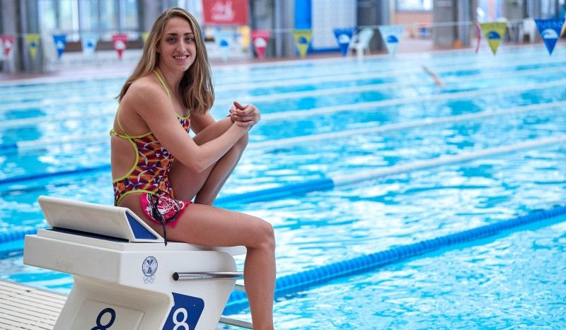 Lidón Muñoz: entre la bata de médico y el bañador de nadadora PRO