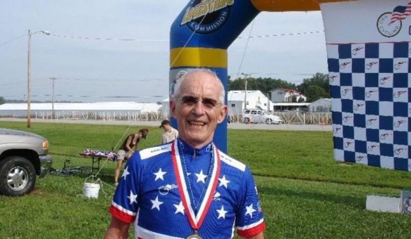 """El ciclista de 90 años que dio positivo se defiende: """"¿Qué ganó yo tomando drogas?"""""""