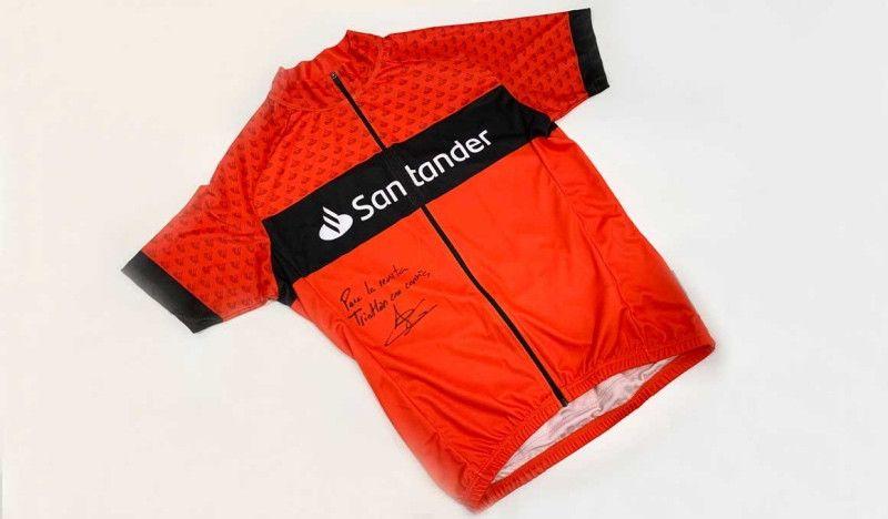 Consigue un maillot firmado por Javier Gómez Noya