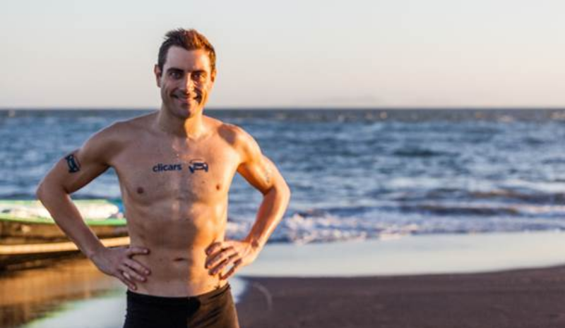 Tercer récord mundial de natación en aguas abiertas del fundador de Clicars