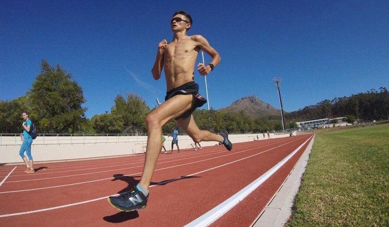 """El entrenamiento de Alex Yee para correr en 14'41"""" y ganar en Ciudad del Cabo"""