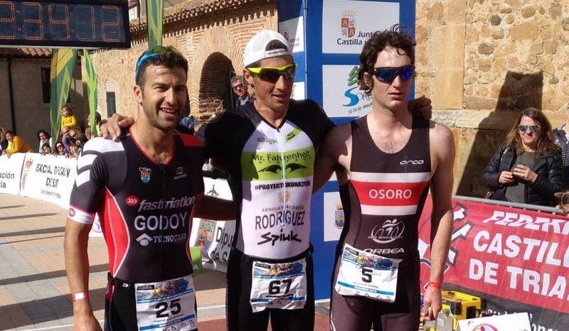 Helene Alberdi y Gustavo Rodríguez, campeones de España de Duatlón MD