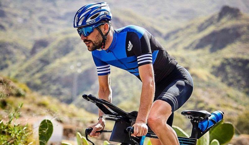 Patrick Lange reconoce el circuito de bici del Mundial Ironman 70.3 de Niza