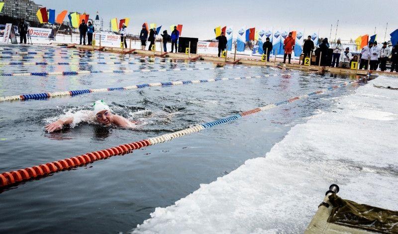 Así es el Mundial de Natación ¡en aguas heladas!