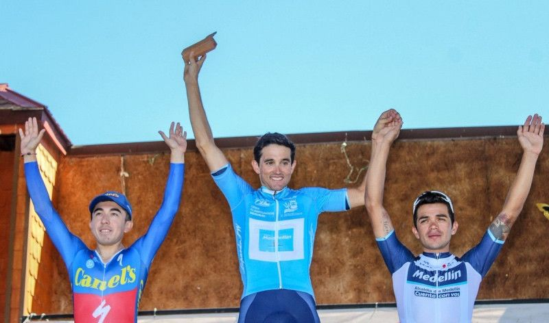 Óscar Sevilla es conducido al podio ¡¡en una casa tirada por bueyes!!
