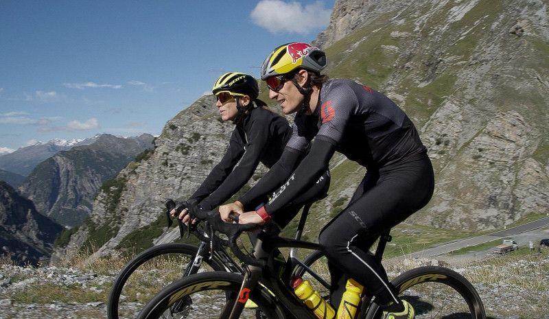 (VÍDEO) Así fue la épica ruta de Kienle en los Alpes con subida el mítico Paso Stelvio