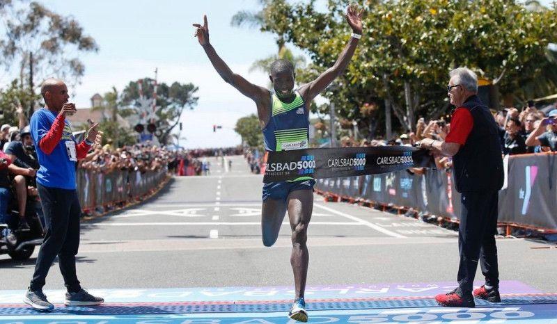 Edward Cheserek iguala el récord del mundo de 5K de Julien Wanders