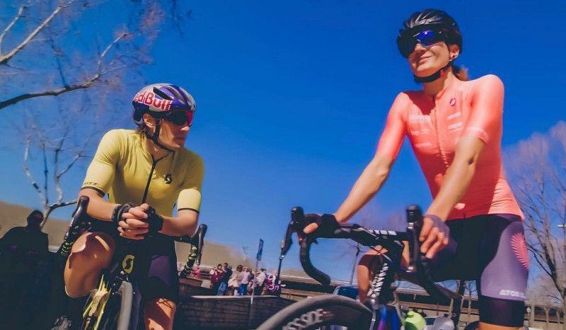 (VÍDEO) Así es la dura jornada de entrenos de Sebastian Kienle y Laura Philipp en Girona