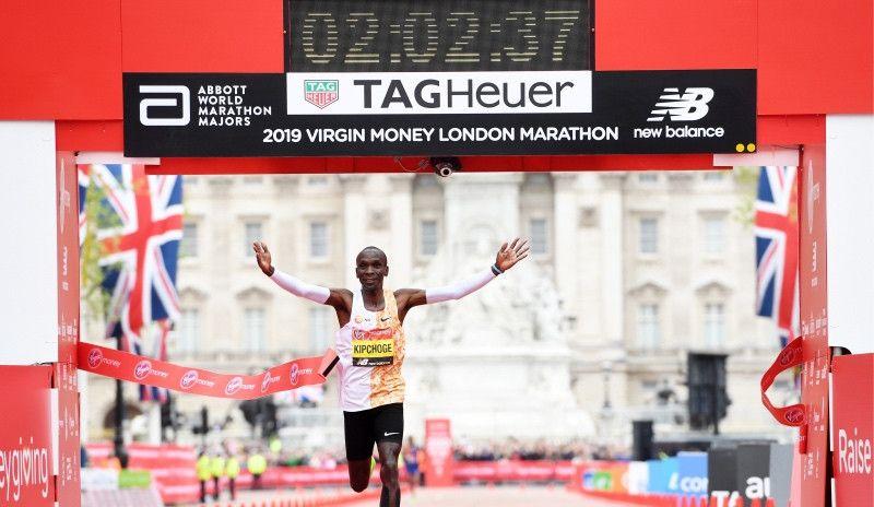 Kipchoge vuelve a conquistar Londres en el mejor maratón de la historia