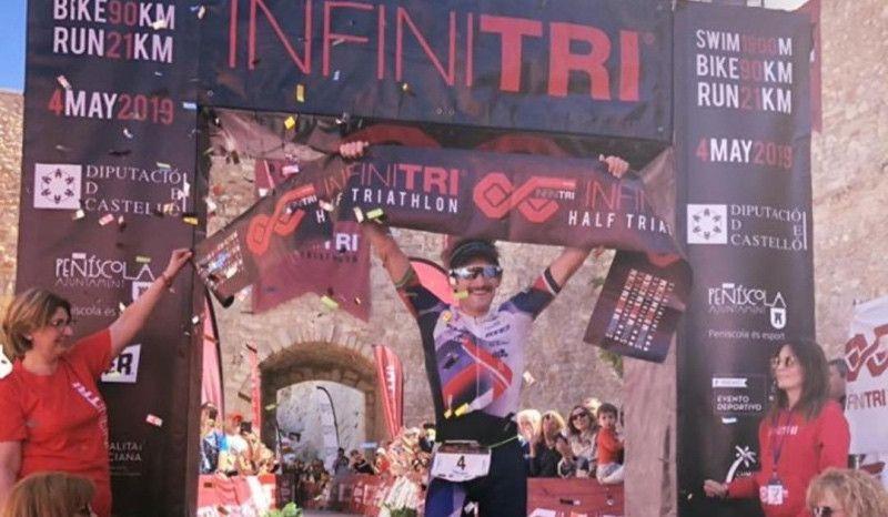 Tim Don se impone en el Infinitri Half Triathlon Peñíscola