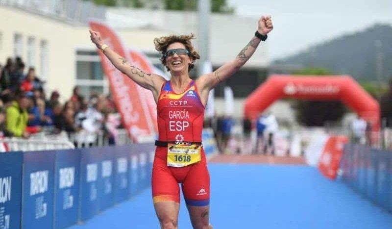 """Aída, la triatleta que arrasa en GGEE y quiere ser élite: """"Tengo mucho rango de mejora; es algo raro que sorprende a mi edad"""""""