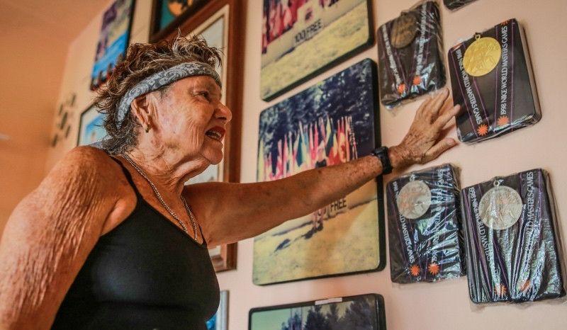 La 'Sirena de Acapulco': 82 años, 2.400 medallas y 400 marcas internacionales