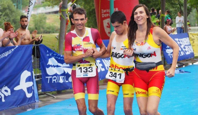 La proeza de Jorge España, primer sordociego del mundo en acabar un triatlón