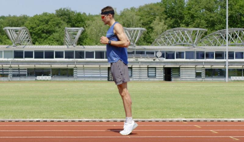 (VÍDEO) Trabajando la técnica de carrera con Jan Frodeno: 'skipping' y centro de gravedad