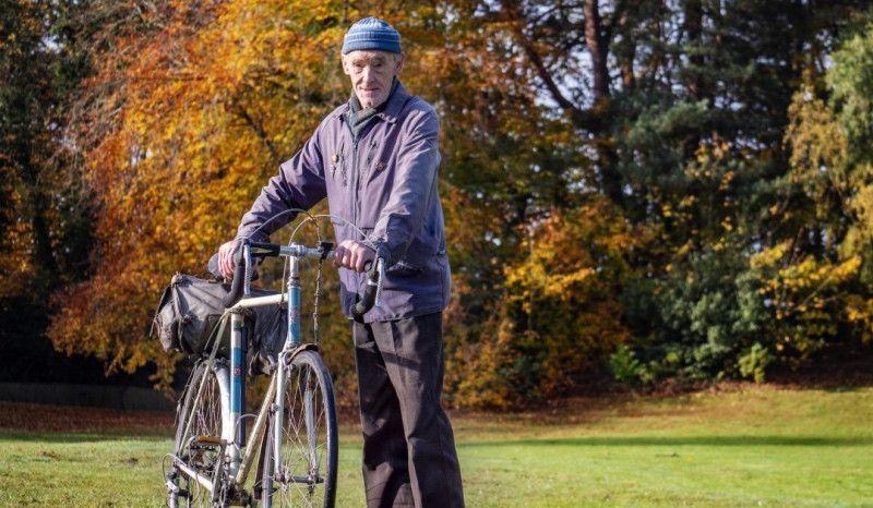 A punto de llegar al millón de millas en bici ¡¡con 82 años!!