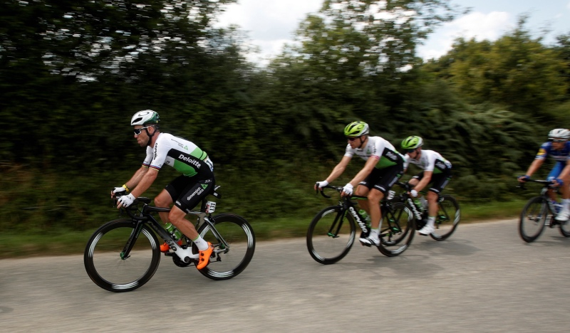 Los dos ciclistas con más triunfos en el Tour llegan fuera de control