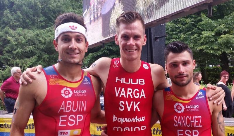 Doblete de Uxío Abuín (2º) y Roberto Sánchez (3º) en el Europeo Sprint