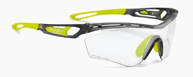 51a5b0d5fc Ventilación sobresaliente gracias al diseño de las lentes y a sus  orificios. Las lentes fotocromáticas de Rudy Project (Impactx 2) destacan  por su rapidez a ...